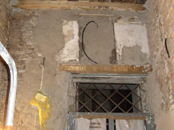 Hiện trạng căn nhà nhỏ cũ nát