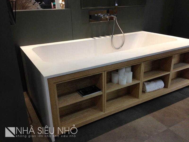 Quá tiện lợi! Ai cũng sẽ thốt lên như vậy khi chứng kiến thiết kế đặc biệt của chiếc bồn tắm này. Nhưng nếu sử dụng vật liệu chống nước, hẳn khi sử dụng sẽ thấy sạch sẽ hơn. Dùng gỗ trong nhà tắm Việt Nam không phải là một ý kiến hay.