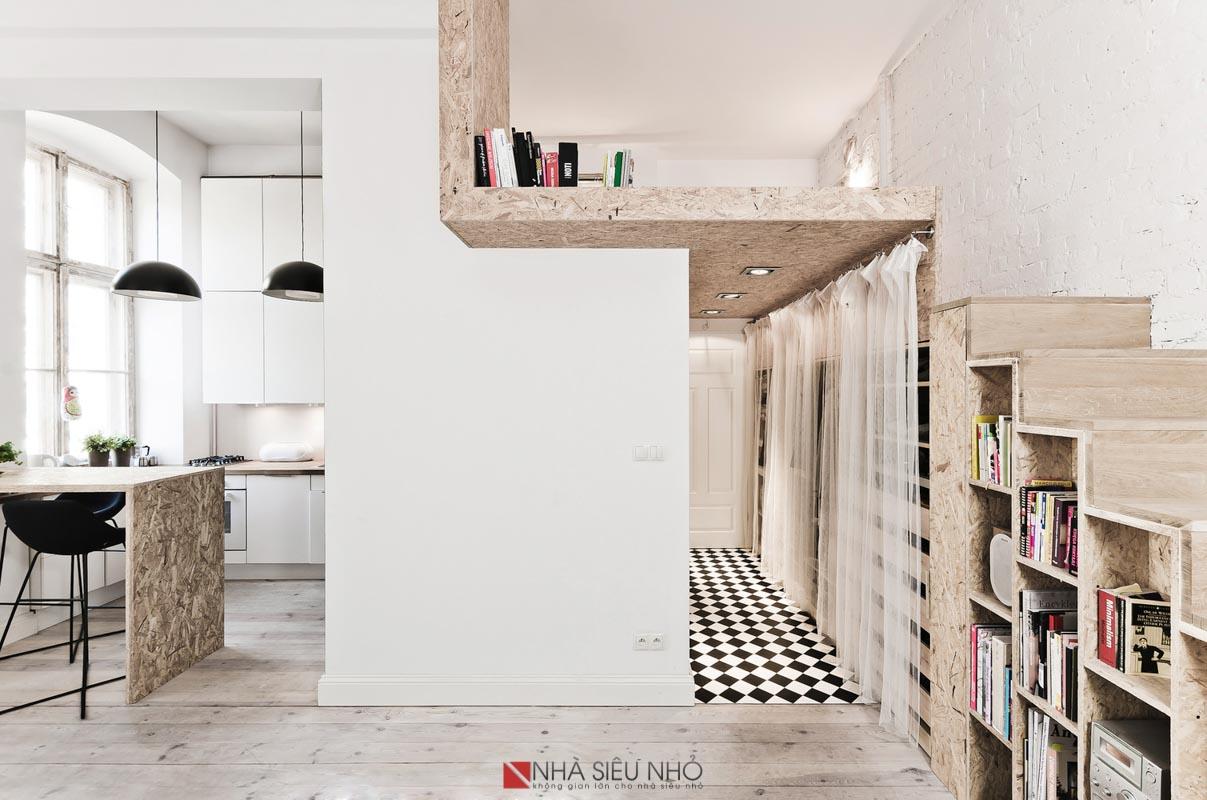 Không gian giường lớn với không gian cao 1,35m, không gian tủ quần áo với lối đi có chiều cao 1,85m